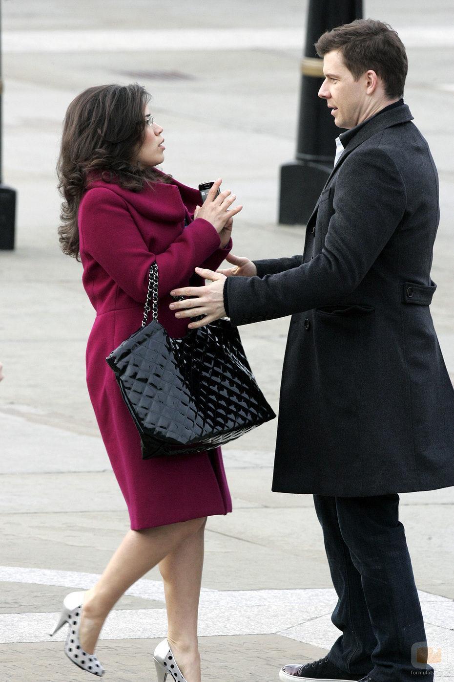 America Ferrera y Eric Mabius en Londres