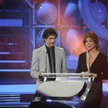 Paco León y Ana Rosa Quintana