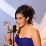 America Ferrera recoge el Emmy en el año 2007