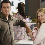 Balthazar Getty y Sarah Jane Morris en 'Cinco hermanos'