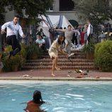Balthazar Getty y Rachel Griffiths se tiran a la piscina en 'Matriarca'