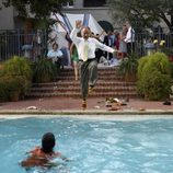 Ron Rifkin se tira a la piscina en 'Matriarca'
