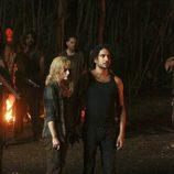 Sayid y Claire en 'Todo el mundo quiere a Hugo'