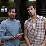 Juan Reyes (Rodolfo Sancho) y Frank Reyes (Alejandro Albarracín)