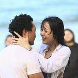 Sun y Jin se miran fijamente en 'Lost'