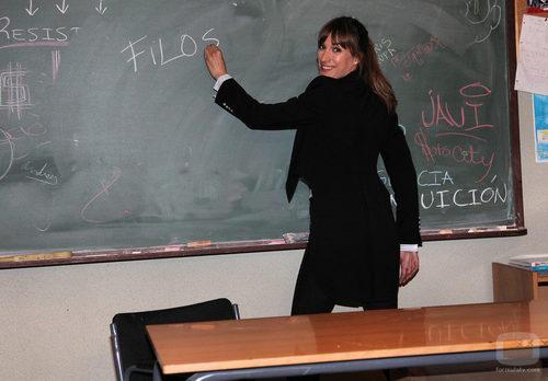 Cristina Alcázar en la pizarra