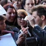 Marc Clotet con las fans