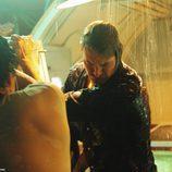 Sawyer y Jin intentan rescatar a Sun
