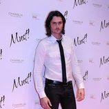 Sergio Mur posando en los Premios Must!