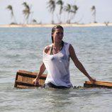 Mireia Canalda con la camiseta mojada en 'Supervivientes'