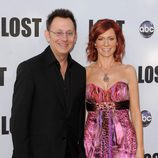 Michael Emerson y Carrie Preston