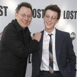 Michael Emerson y Sterling Beaumon