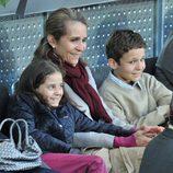 La Infanta Elena con sus hijos, Froilán y Victoria Federica