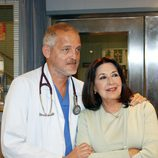 Jordi Rebellón (Dr. Vilches) y Concha Velasco (Carmen)