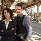 Jennifer Beals y Jason Clarke