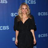 Kaley Cuoco en la fiesta Upfronts 2010 de CBS