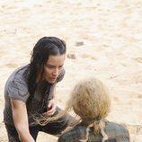 Claire y Kate en la playa