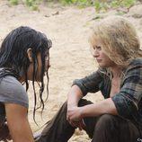 Kate intenta convencer a Claire para escapar de la Isla