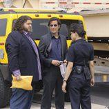 Ana Lucía habla con Desmond y Hurley