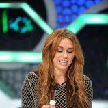 Miley Cyrus con un bote en la mano en 'El hormiguero'