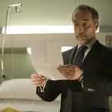 Mateo lee la carta póstuma de la madre de Adriana