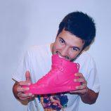 Nacho Aldeguer muerde un zapato rosa