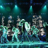 Michael Jackson y sus bailarines, en 'This is it'