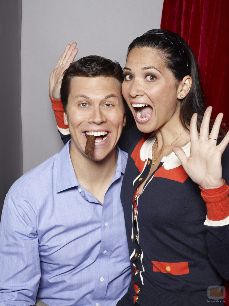 Hayes MacArthur y Olivia Munn, en 'Perfect couples'