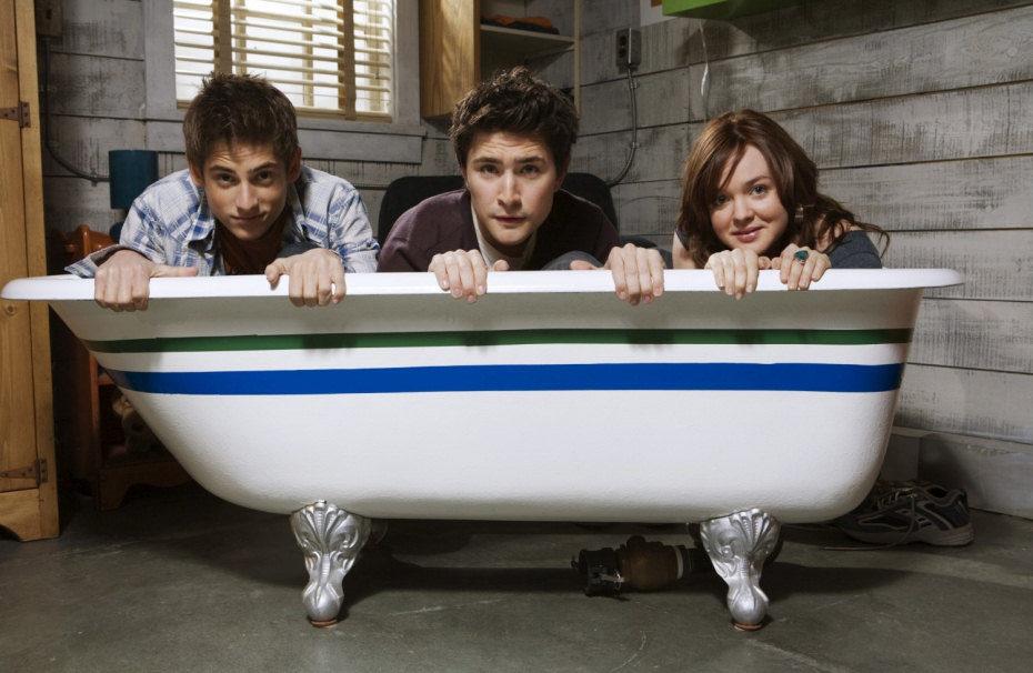 Jean-Luc Bilodeau, Matt Dallas y April Matson en la bañera