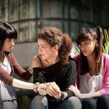Paula y Teresa apoyan a Alma