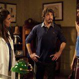 Iván habla con Lucía, Martín y Fermín