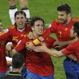 La Selección Española celebra el gol de Puyol