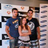 Maxi Iglesias, junto a Ana Fernández y Luis Fernández
