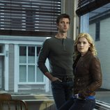 Audrey Parker junto a Nathan Wuornos