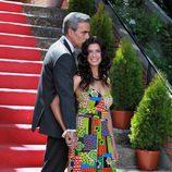 Imanol Arias besa a Pilar Punzano