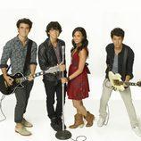 Los Jonas Brothers y Demi Lovato