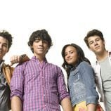 Los protagonistas de 'Camp Rock 2'