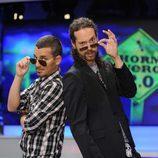 Juan y Damián con gafas de sol