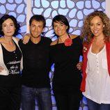 Pablo Motos con las chicas de 'El hormiguero'
