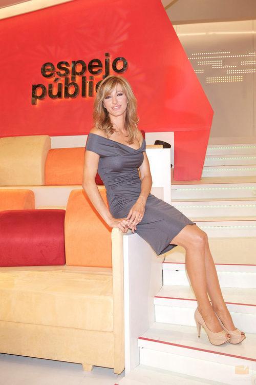 Susanna griso presentadora del programa de antena 3 for Antena 3 espejo publico programa hoy