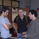 Charlie, Pope y Lucas en 'El comisario'