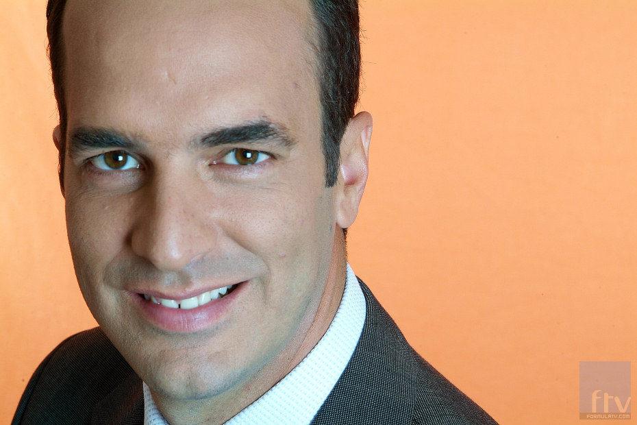 Santi Acosta, presentador de 'Confidencial SA'