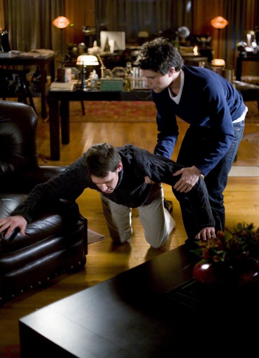 Kyle ayuda a Adam Baylin en 'Kyle XY'