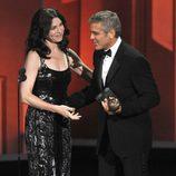 George Clooney y Julianna Margulies en los Emmy