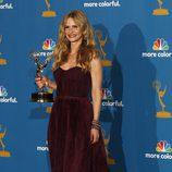 Kyra Sedgwick posa con su Emmy