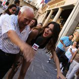 Romina Belluscio con un abuelo
