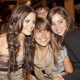 Adriana Torrebejano con algunas fans