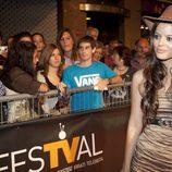 Adriana Torrebejano con sombrero de cowboy