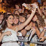 Marta Torné se fotografía con los fans