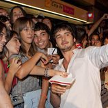 Yon González con los fans